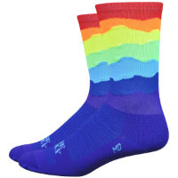 DeFeet Aireator Ridge Supply Skyline Rainbow Strumpor (6 tum)