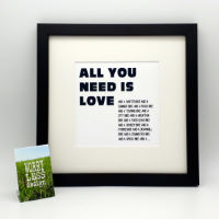 "Worry Less Designs ""All You Need Is Love"" Inramat tryck"