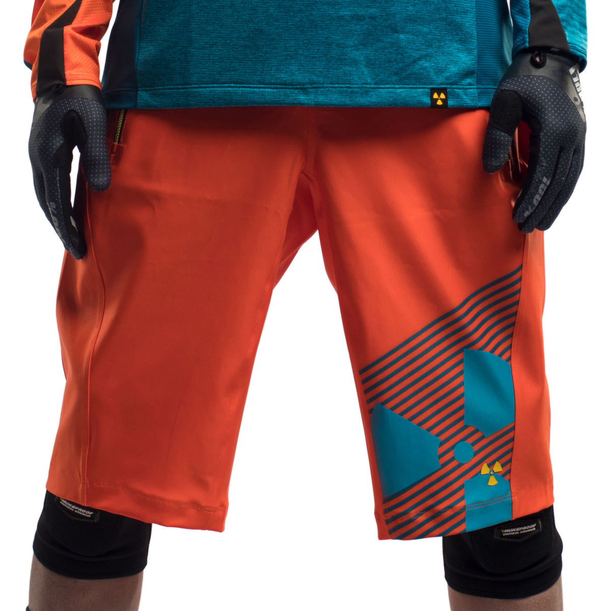 Short Nukeproof Kashmir NP - Large Orange/Blue Shorts amples