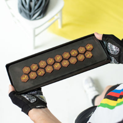 quirky-gift-library-bike-chocolates-geschenke