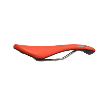 Charge Scoop Saddle