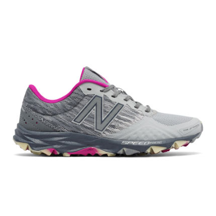 New Balance Women's 690 v2 Shoes