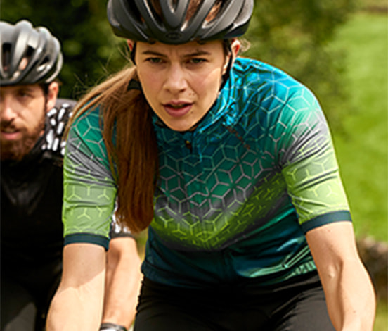 Women out riding, wearing altura cycle kit