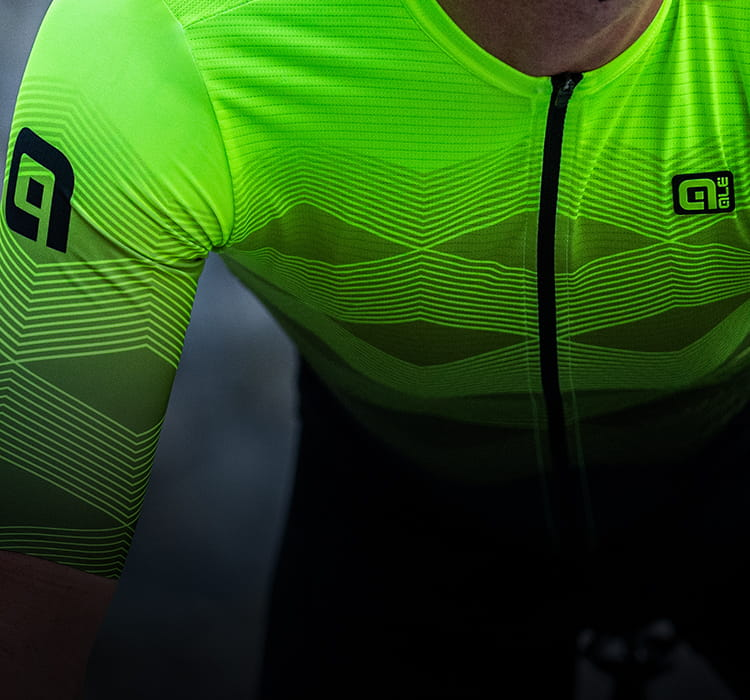 Ale Pr-r performance and playful printed jersey