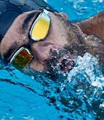 W20 Hero Image - Performance swim - Man swimming with goggles
