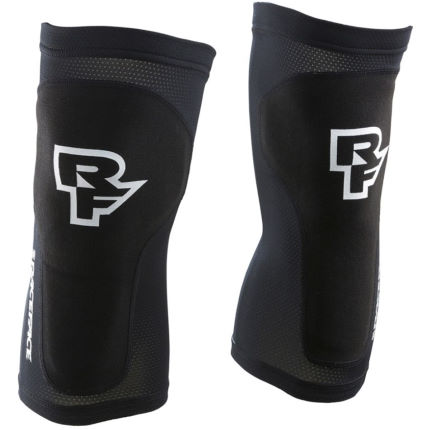 Race Face Charge Sub-Zero Leg Protector